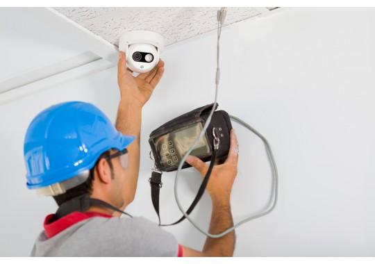 Монтаж и подключение видеокамеры в помещении